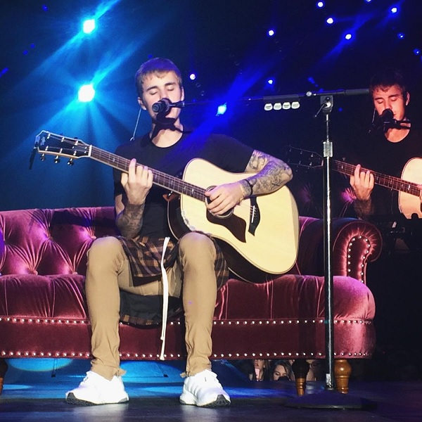 justin-acoustic